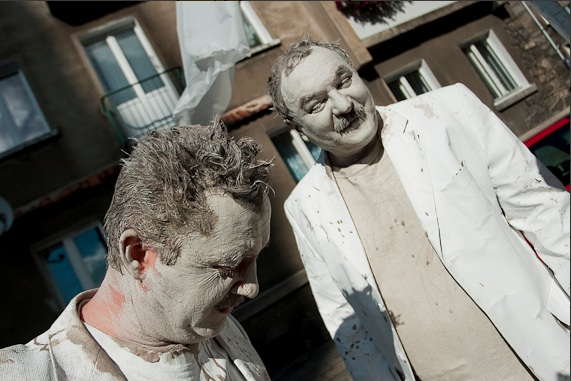 Cezary Przybylski i Dariusz Kwaśniewski jako Glinoludy